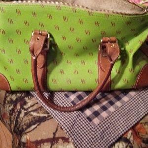ADORABLE🍒dooney&Bourke👑 purse